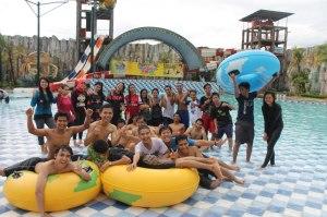 berenang dan having fun di akhir pekan, gumul kediri. 2013
