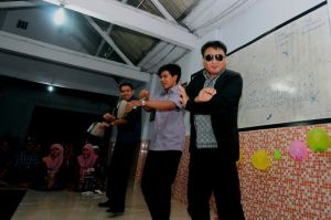 Gangnam style nya ALFALFA.Feb 2013